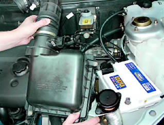 Фото №17 - как поменять воздушный фильтр в ВАЗ 2110