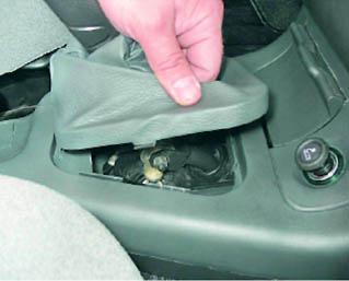 Фото №10 - регулировка привода переключения передач ВАЗ 2110